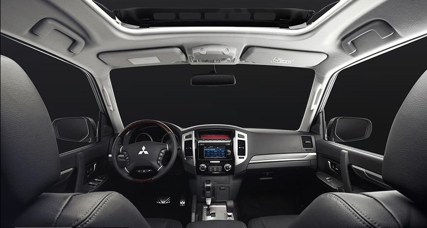Interior de lujo con materiales premium de Mitsubishi Montero Limited 2019 precio
