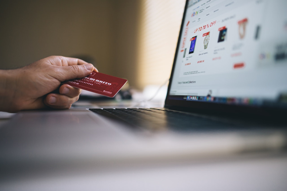 Compra coas en línea con la tarjeta de pago