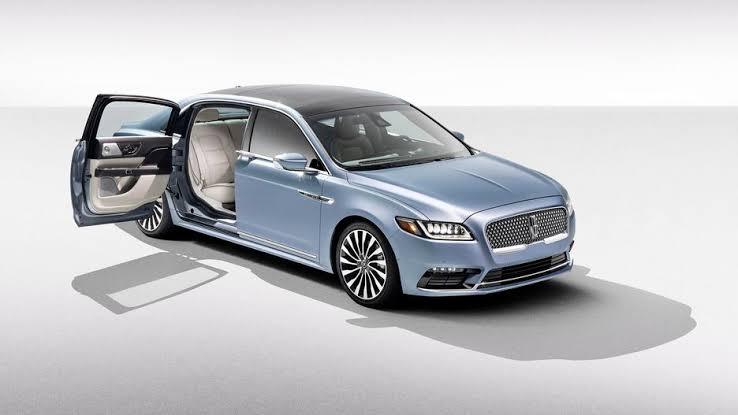 El Lincoln Continental nos pondrá nostálgicos al revivir las puertas suicidas