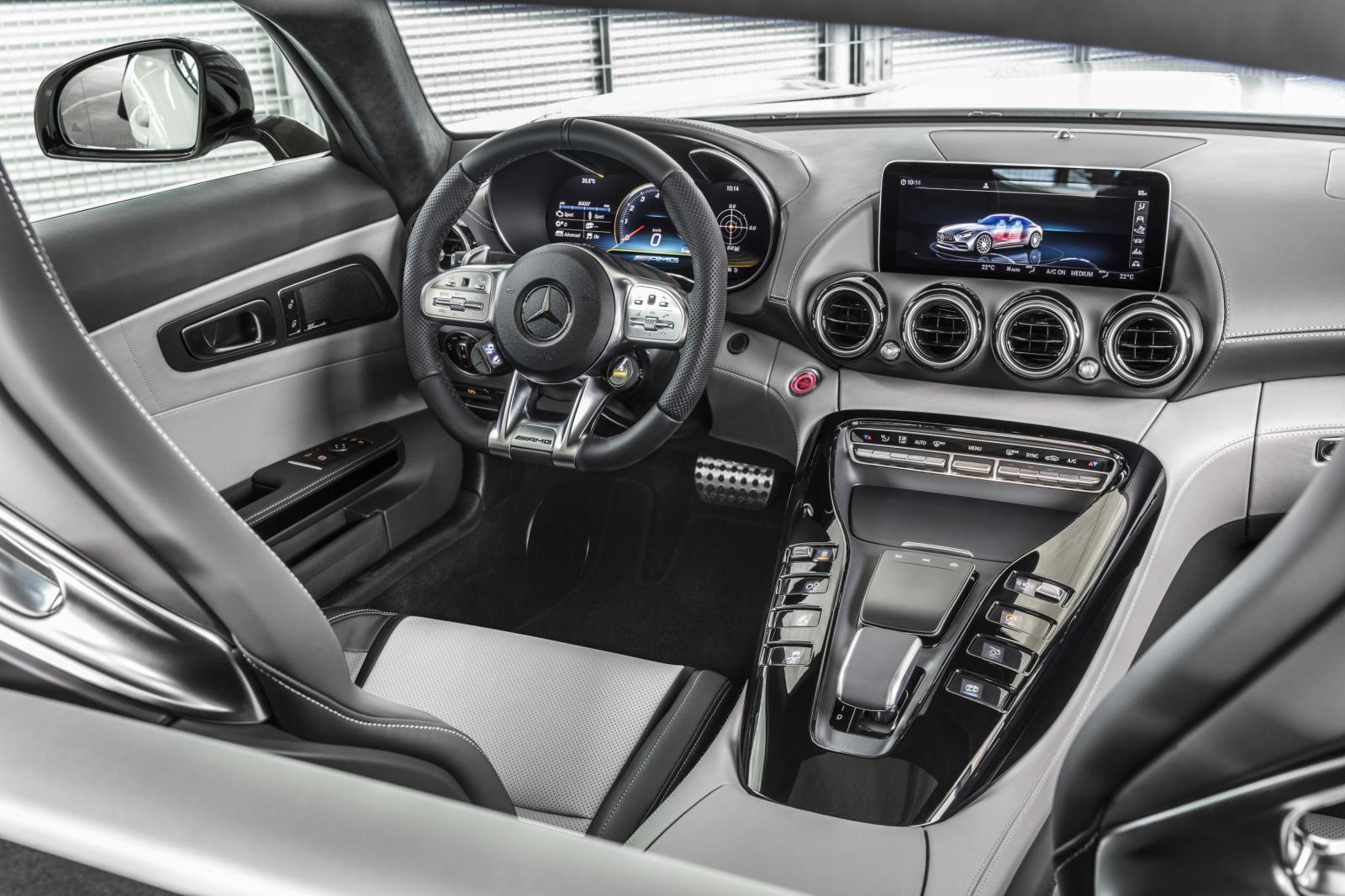 Vista del interior del Mercedes AMG GT 2020