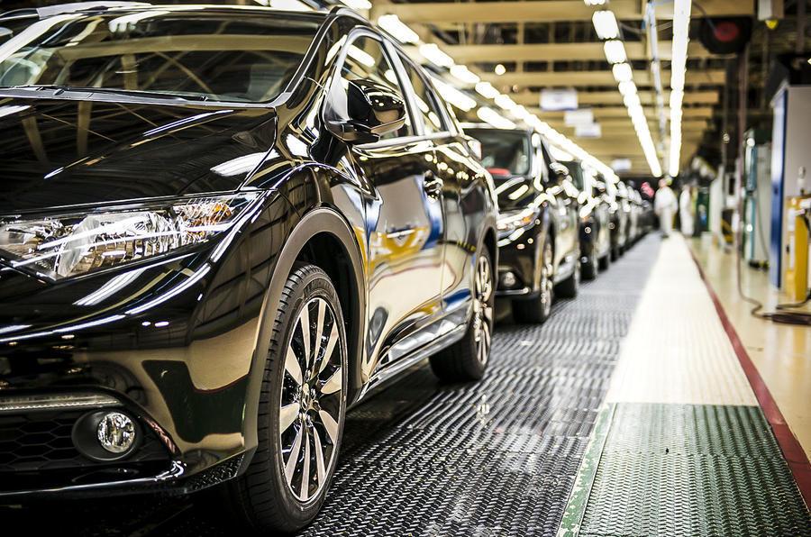 Fábrica autos Brasil