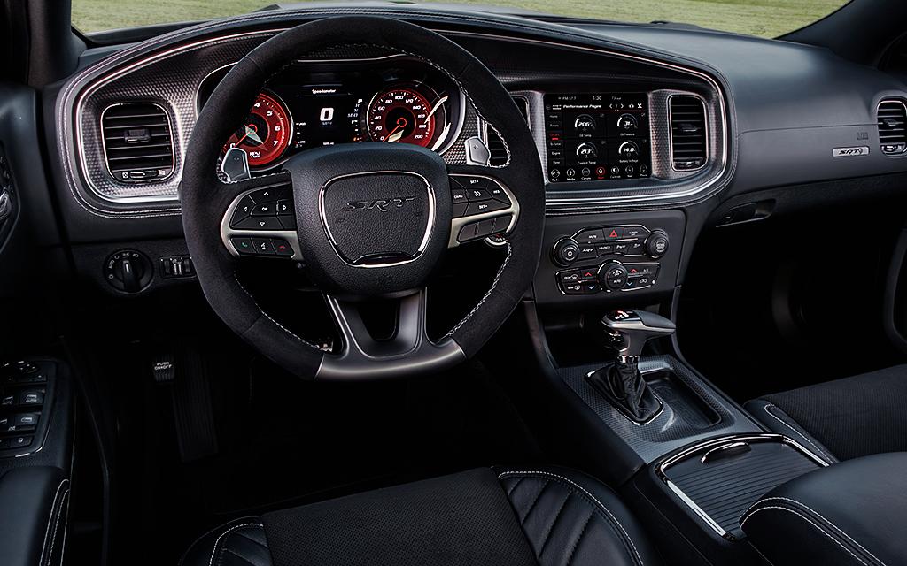 Dodge Charger 2019 precio en México Pese a tener asientos firmes, entrega comodidad a todos los ocupantes