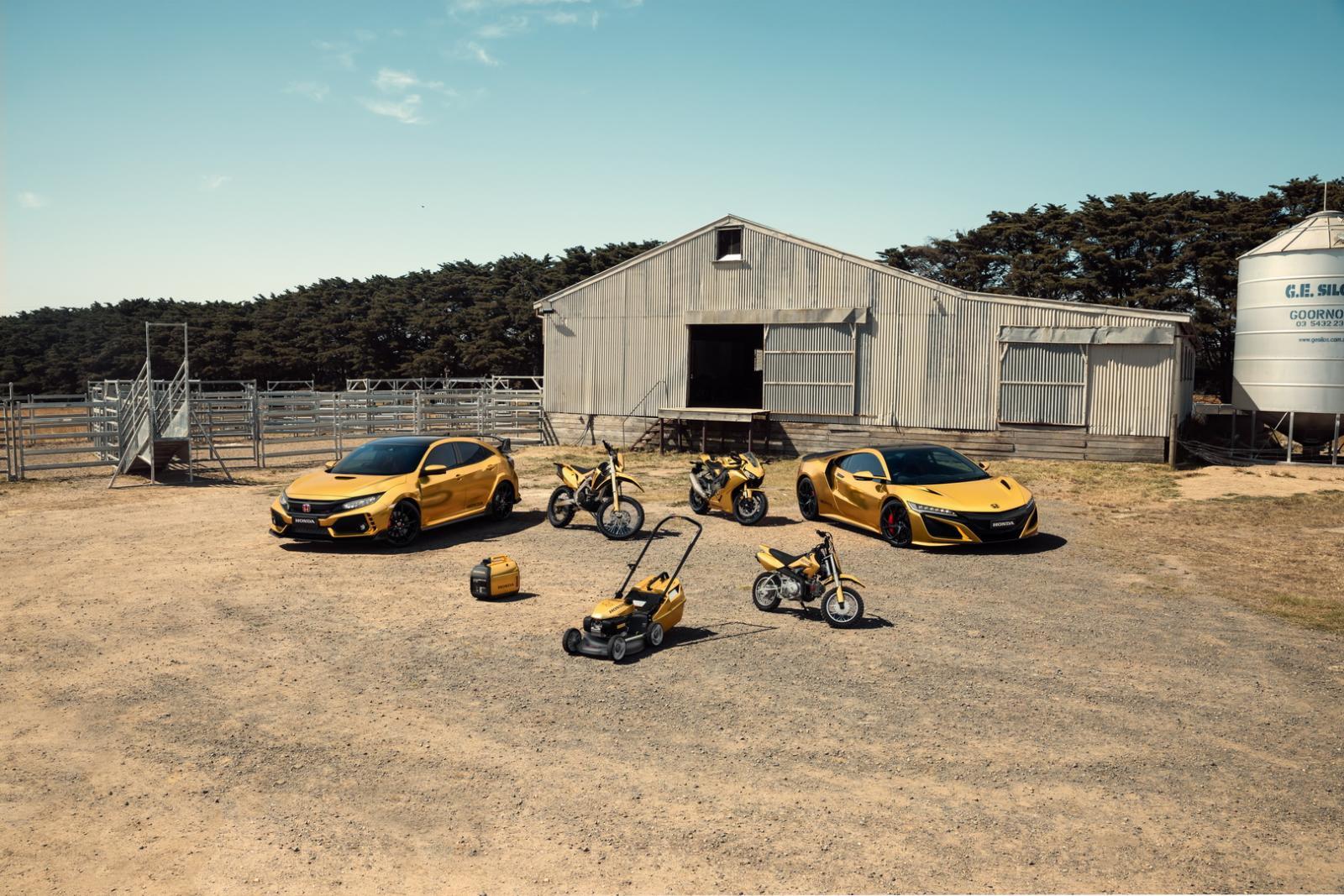 Honda celebra 50 años en Australia cubriendo de color dorado sus vehículos