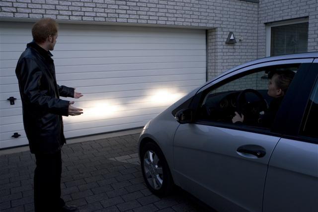 ¿Cómo regular los faros delanteros de tu coche? Descúbrelo aquí