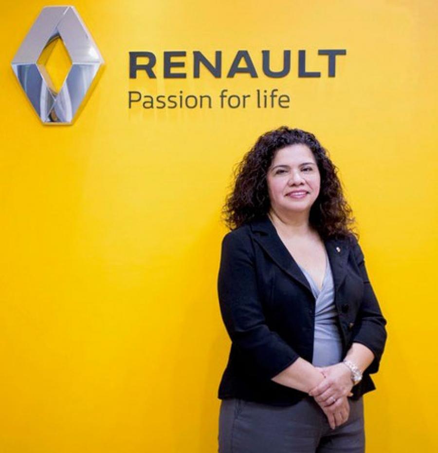 Magdalena López, Renault