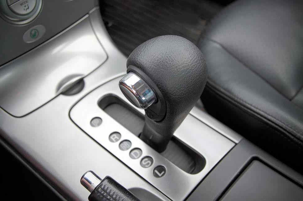 Como manejar un auto automatico