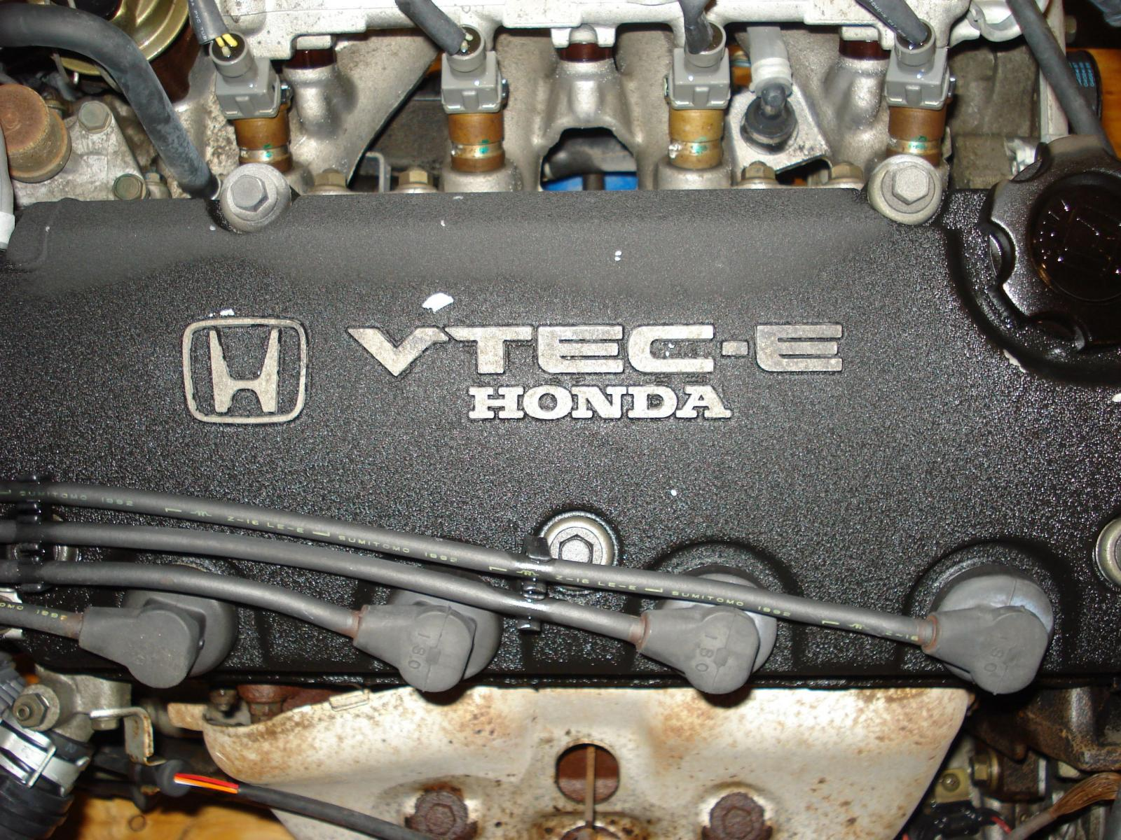 i VTEC vs VTEC: Honda VTEC-E