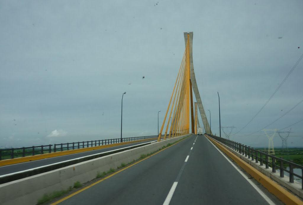 El Puente Ingeniero Antonio Dovalí Jaime también es conocido popularmente como el