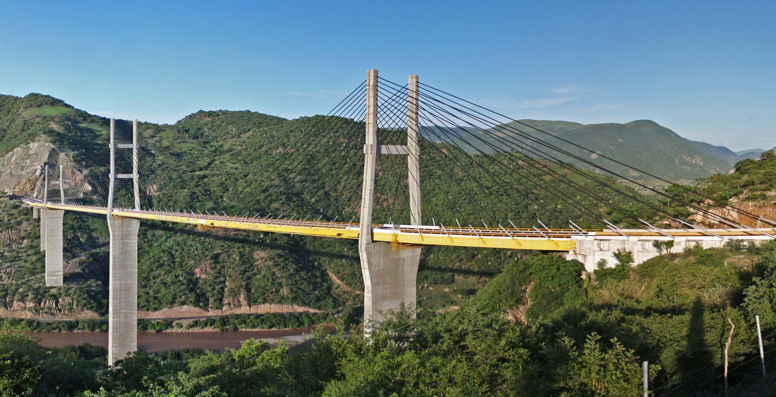 El Puente Mezcala Solidaridad es de los más recorridos hacia el sur de nuestro país