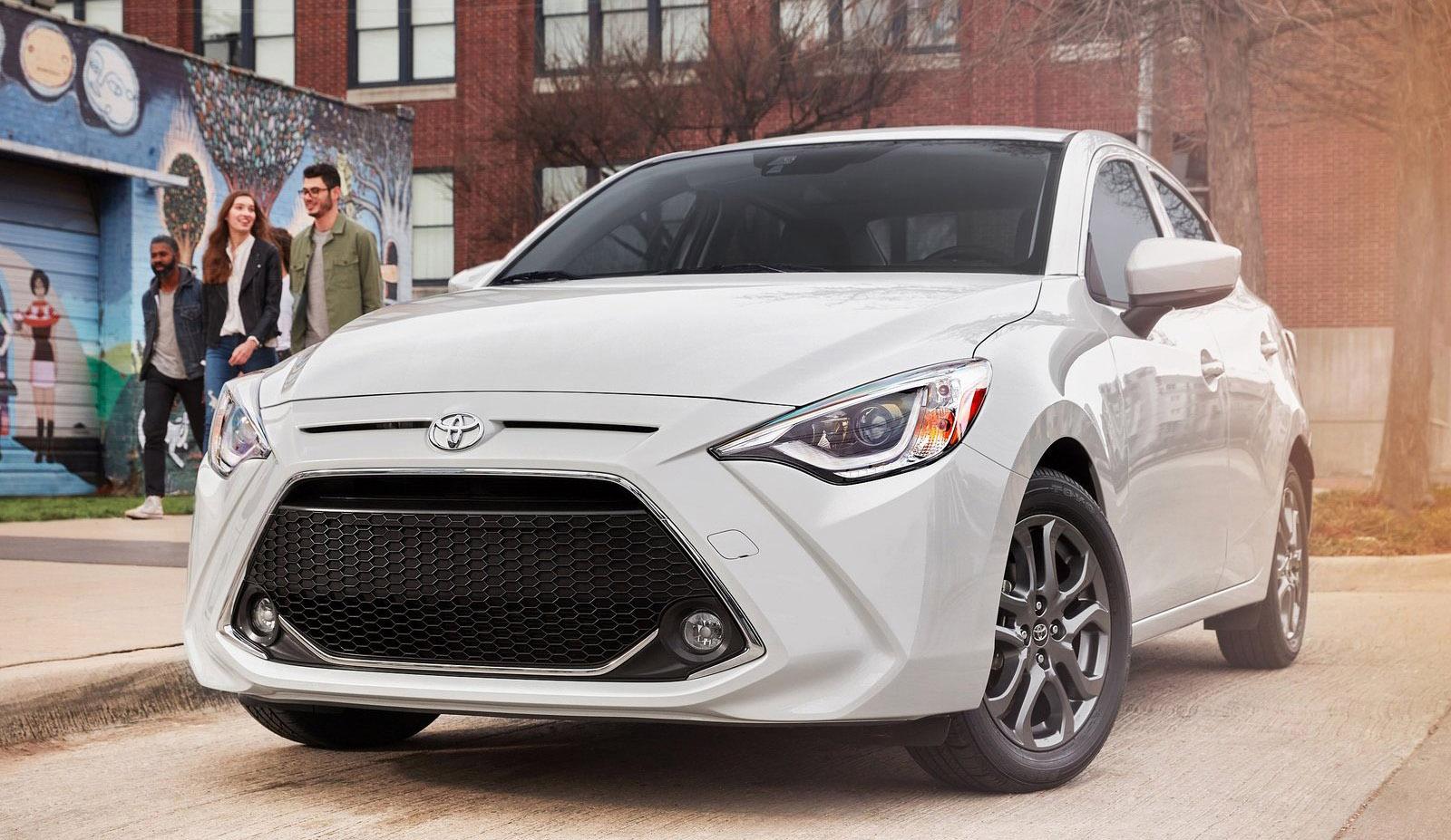 Toyota Yaris uno de los sedán mejor calificados