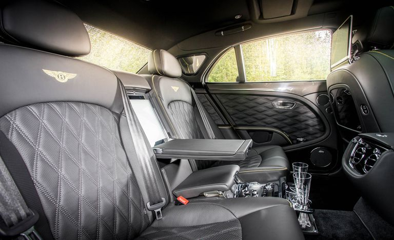Bentley Mulsanne Speed 2019: Ventajas y Desventajas
