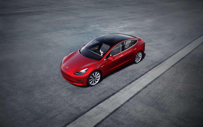 Tesla Model 3 rojo