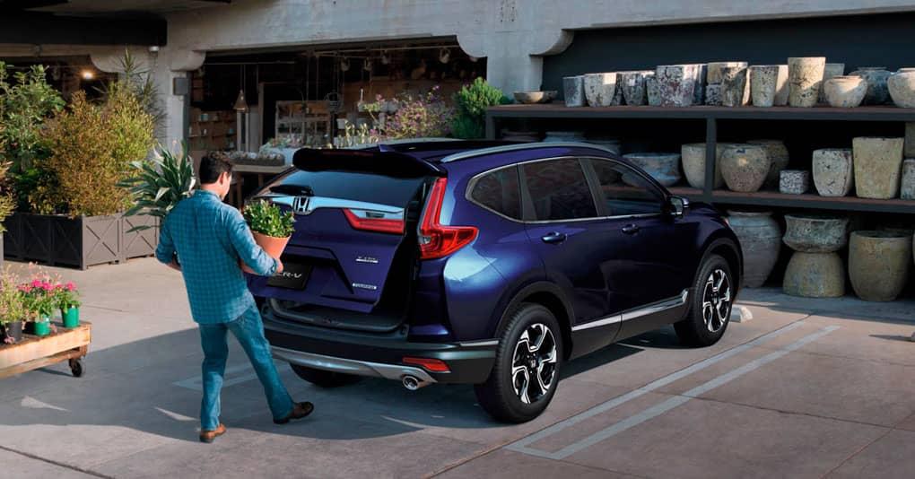 El diseño de la Honda CR-V EX 2019 es un poco más robusto y curvilíneo