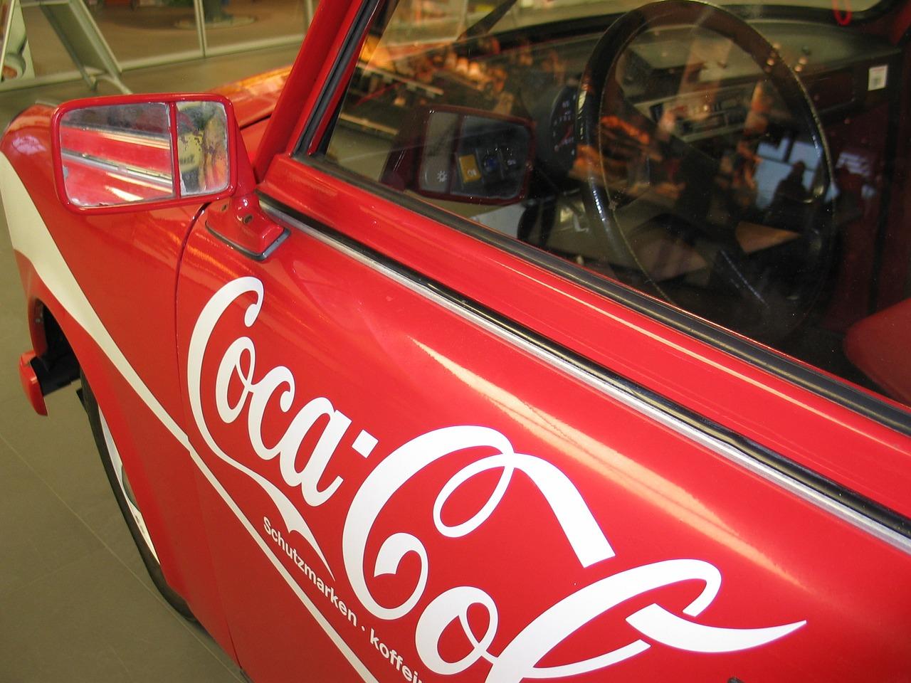 La publicidad en los autos es un medio de ganar dinero