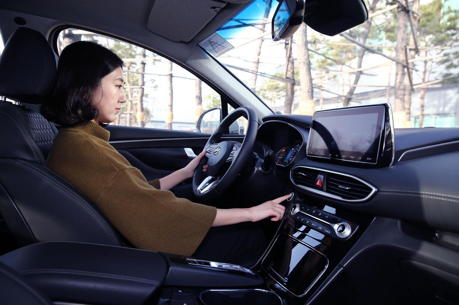 La nueva Hyundai Santa Fe funciona solo con tu huella digital