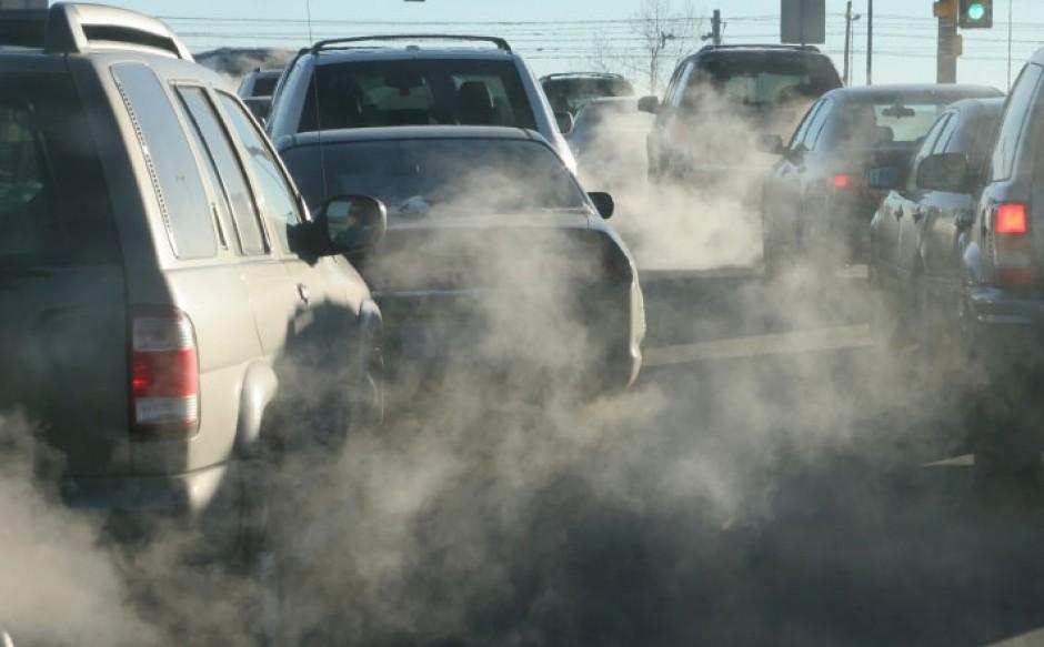 Mantenimiento en el coche para no contaminar