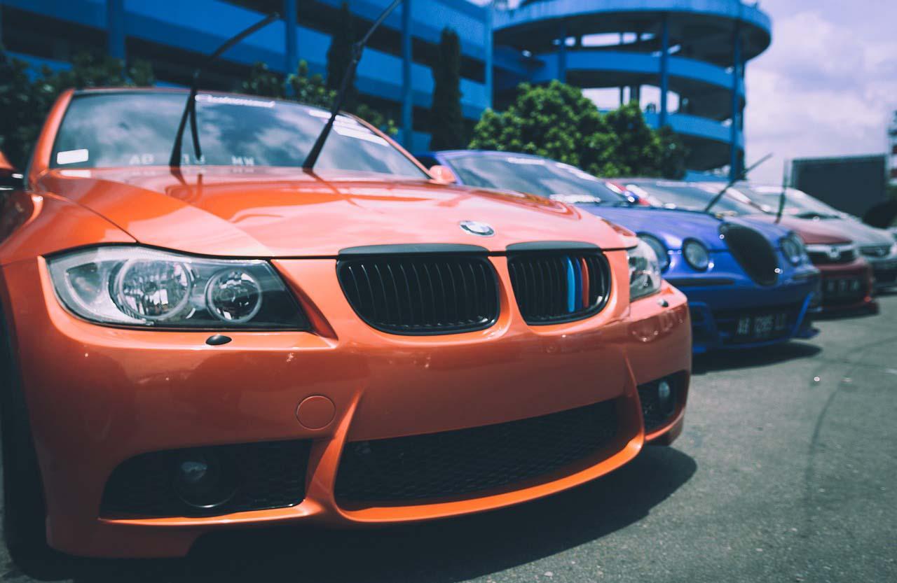 El principal perjudicado es el consumidor ya que el precio de los autos importados es muy alto