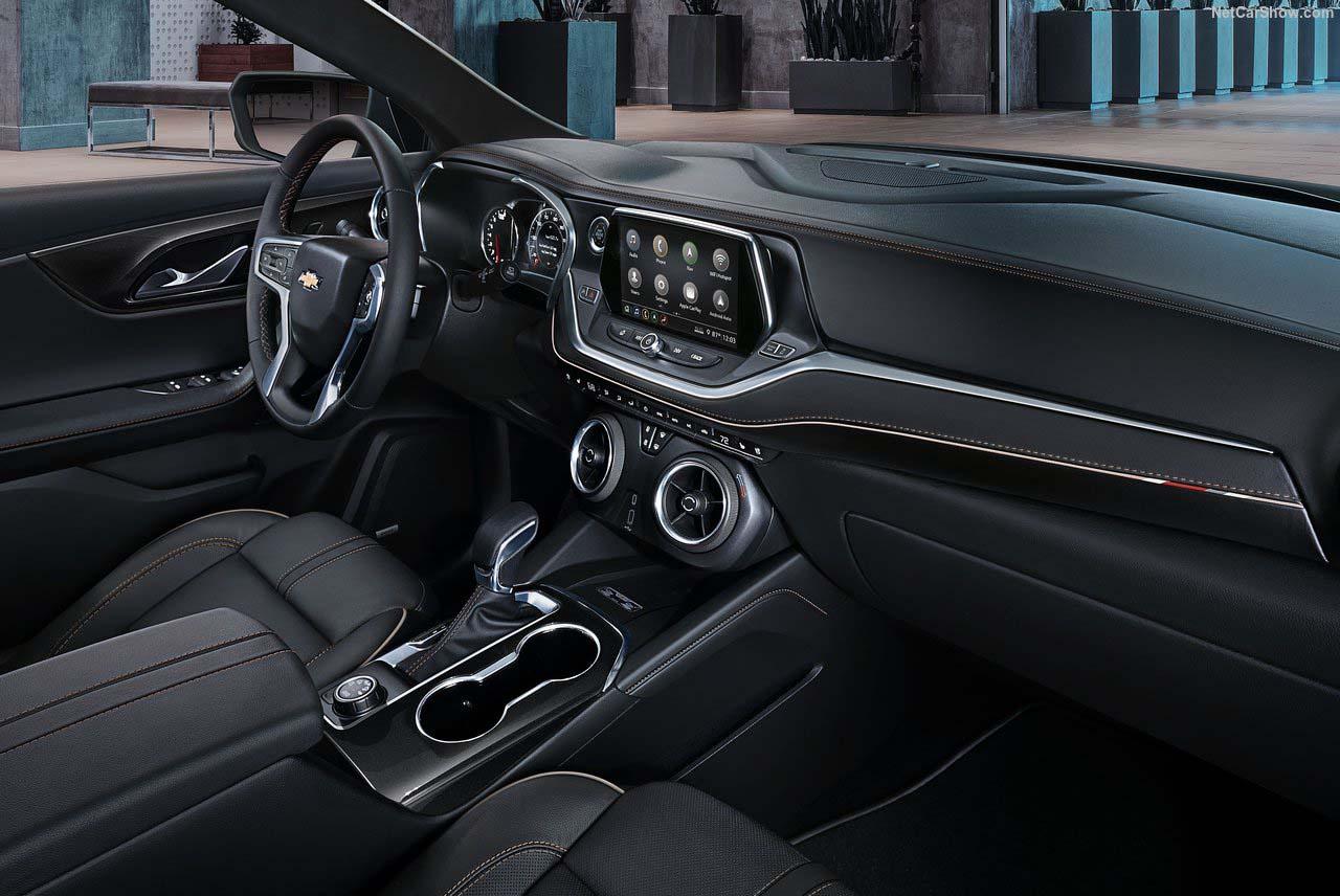 En el diseño se revisa que el interior sea ergonómico y funcional