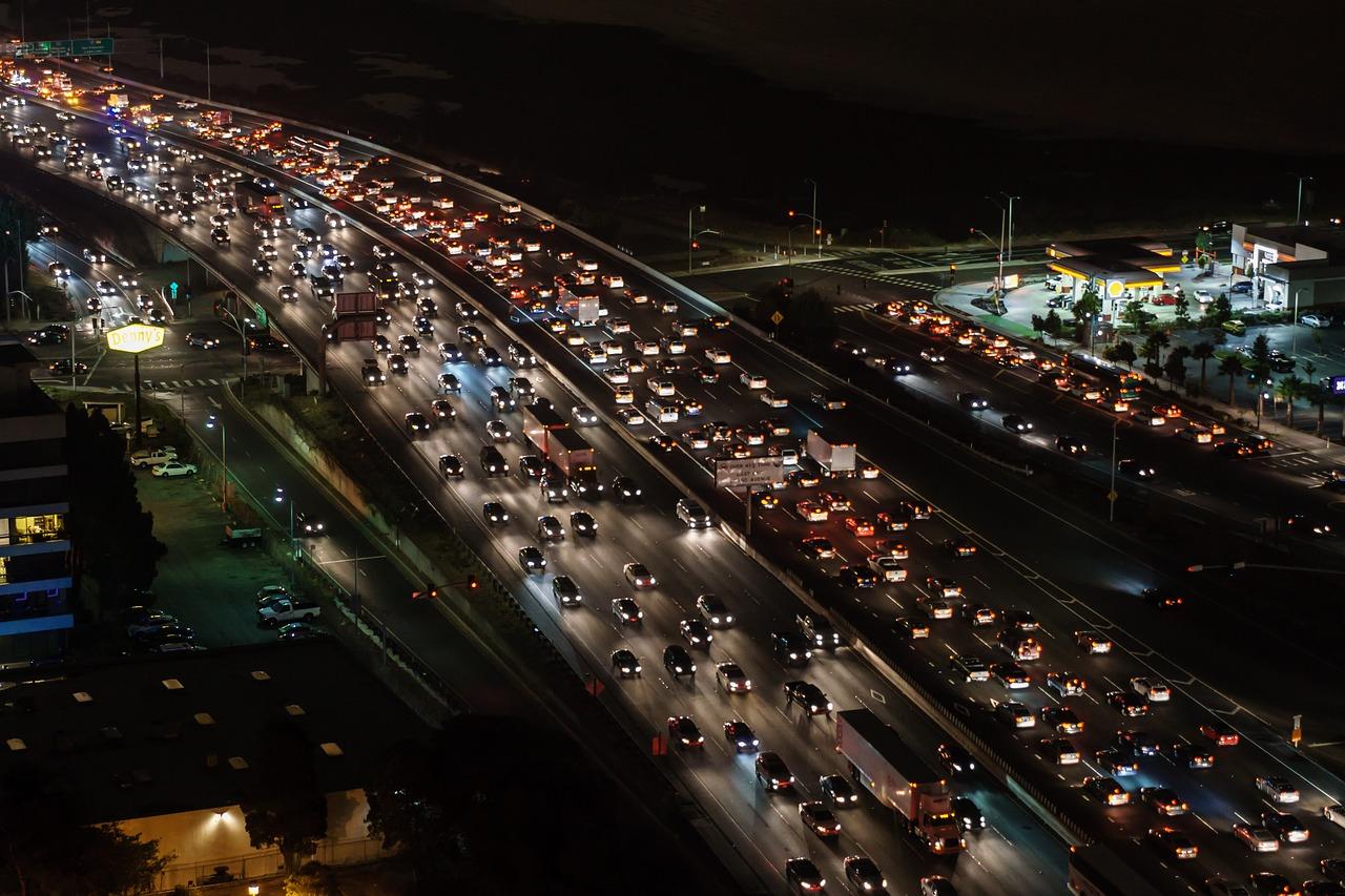 ¿Cuántas horas perdemos en el tráfico?