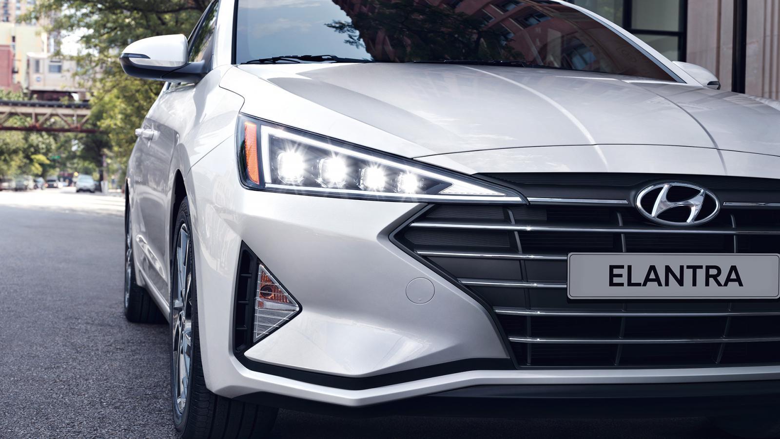 El nuevo rostro del Hyundai Elantra Limited Tech Navi 2019 presume mayor dinamismo y elegancia