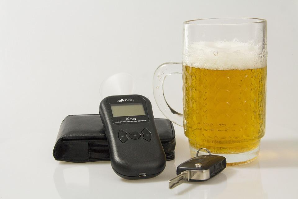 Los alcoholímetros en autos es la nueva medida preventiva en Francia
