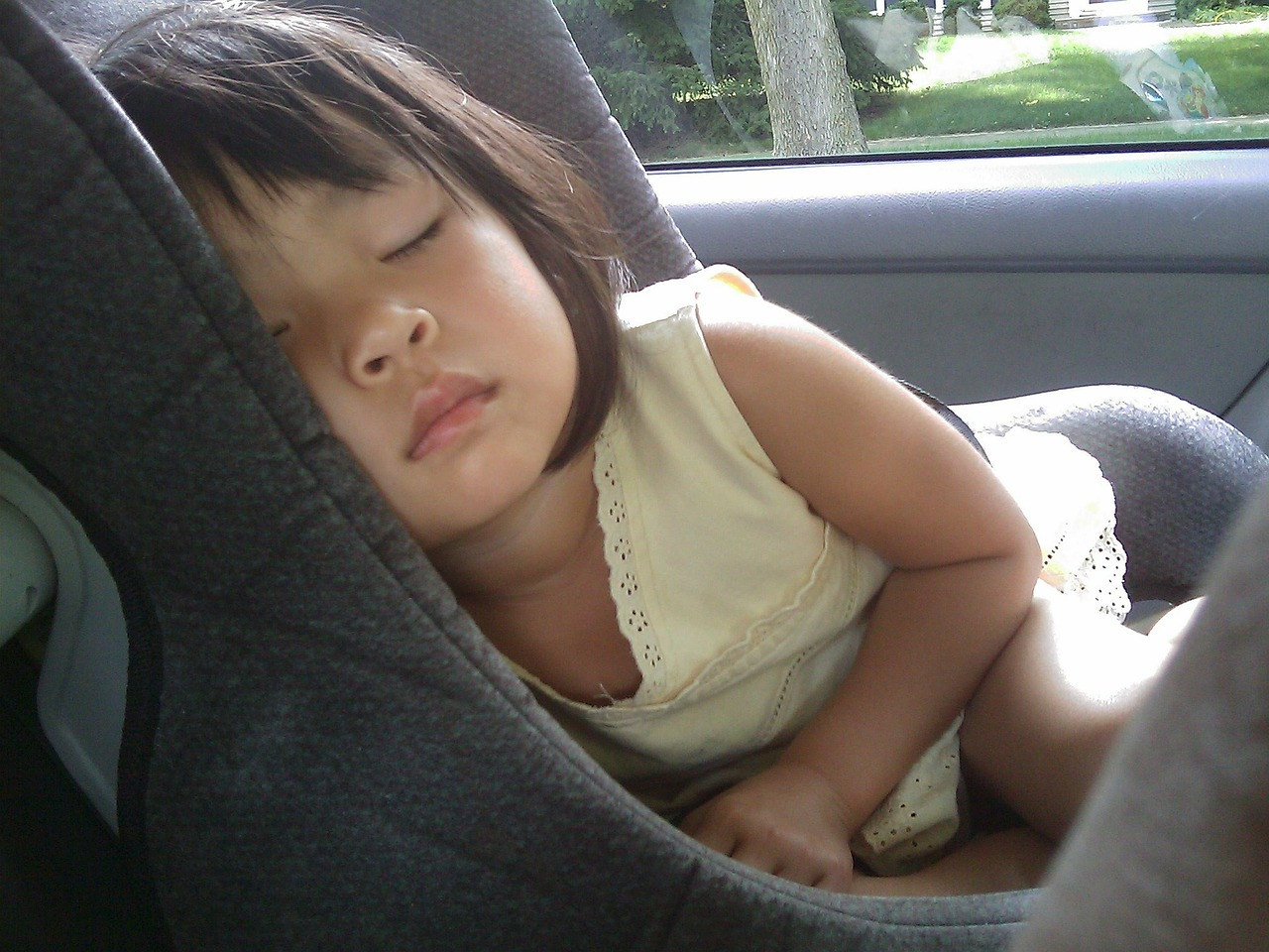 Cuidado al viajar con niños en épocas de calor
