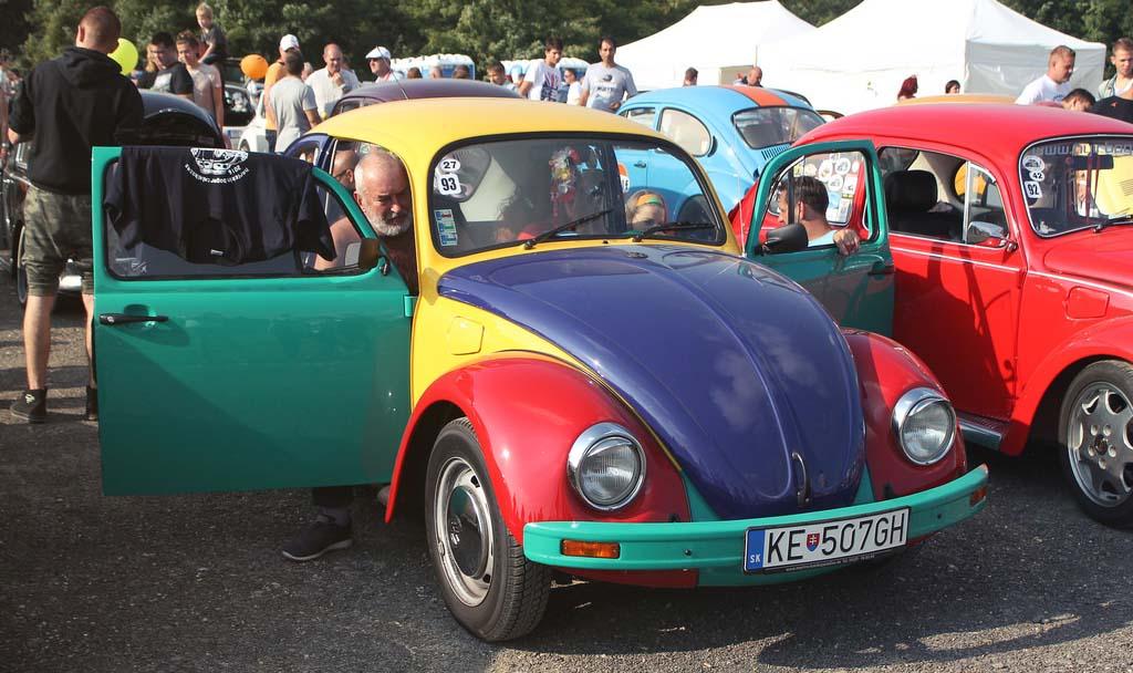Para el año 1996 salió a la venta el Volkswagen Arlequín