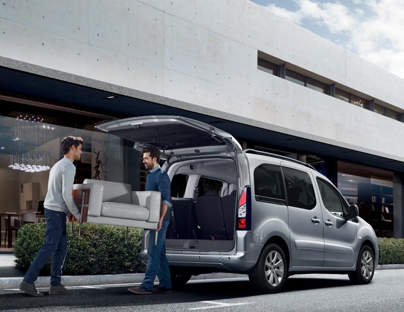 La cabina de la Peugeot Partner Tepee precio en México es muy amplia