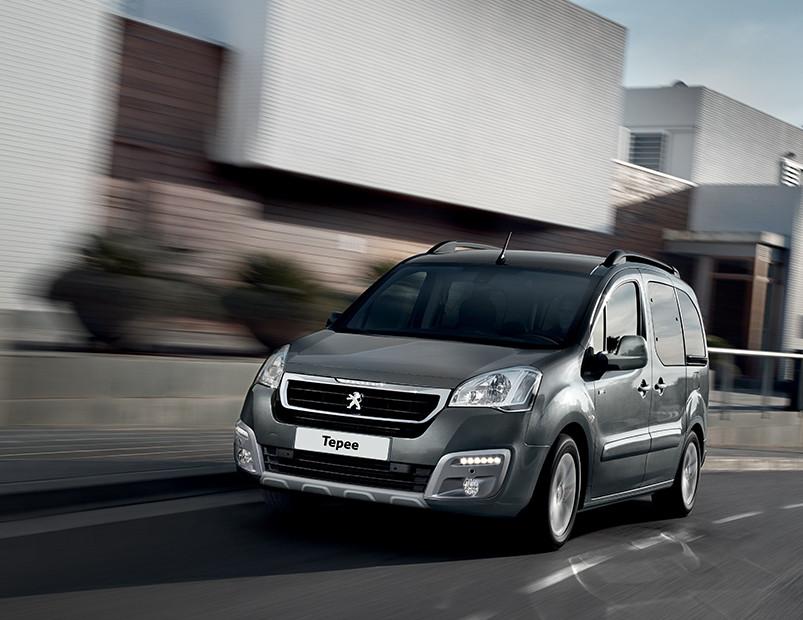 La Peugeot Partner Tepee precio en México tiene un estilo más aventurero