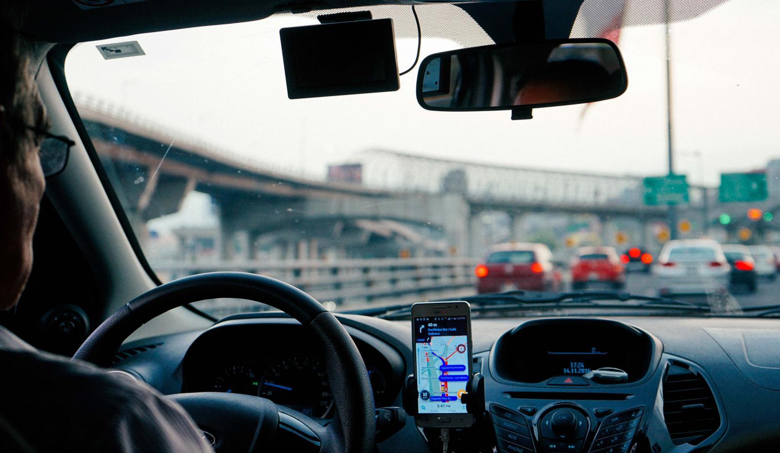 La empresa de movilidad Waze lanzó una aplicación con la que podrás compartir tu automóvil