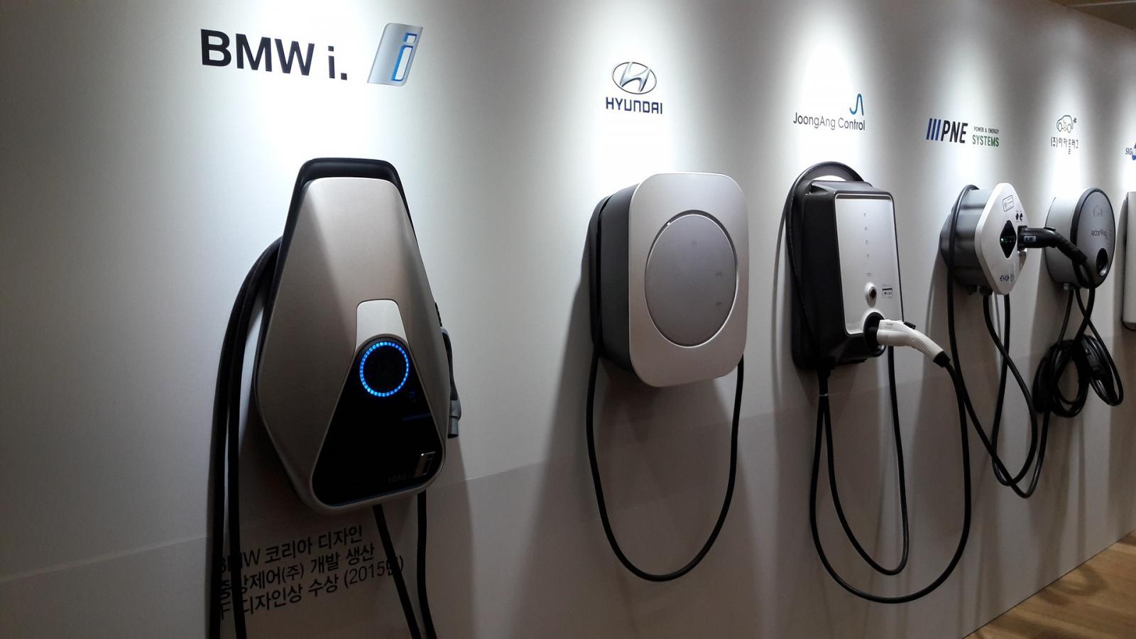 Cargadores eléctricos coches