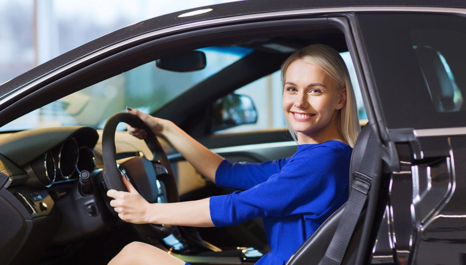 Postura correcta para sentarse en auto