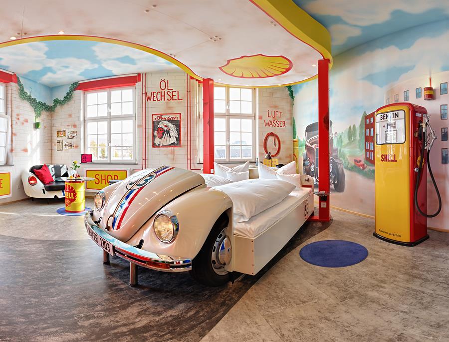El V8 Hotel Classic Motorworld lleva tu amor por los autos a otro nivel