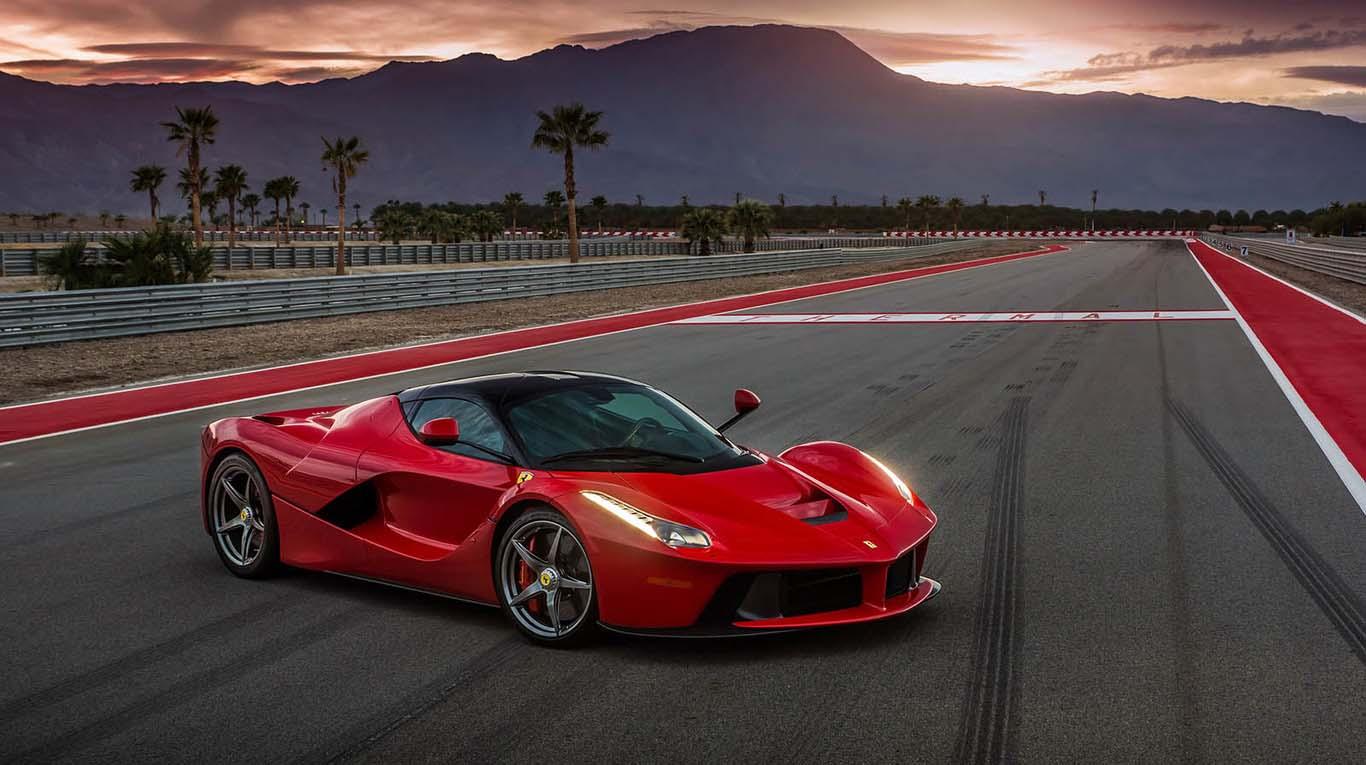 Ferrari LaFerrari cuenta con un sistema híbrido HY-KERS
