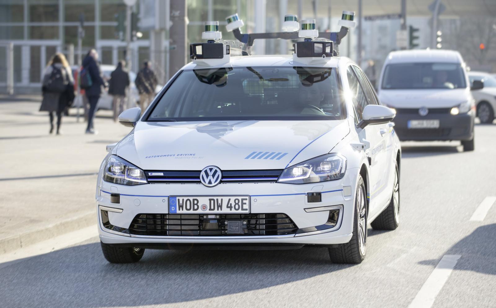 Volkswagen e-Golf autónomo