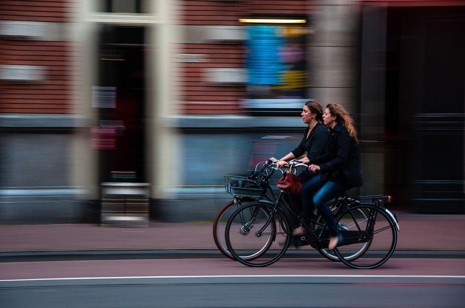 Los ciclistas poseen una mayor capacidad de observación que los conductores de vehículos