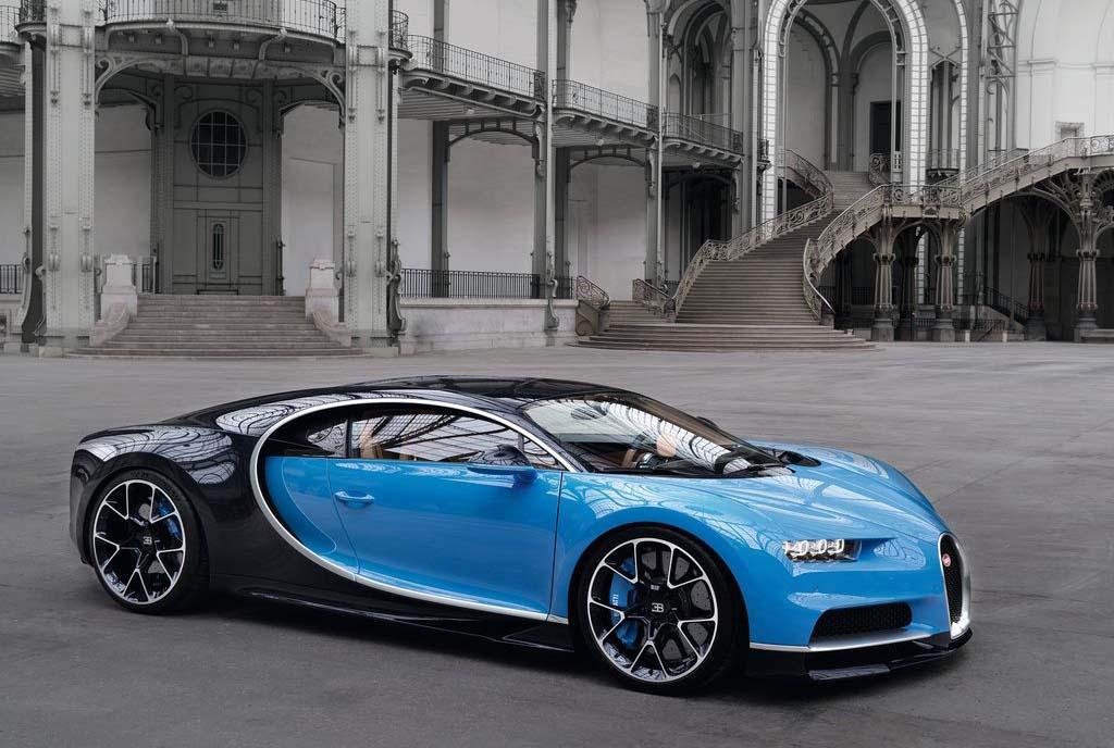 El 'Canelo' Álvarez agregó un Bugatti Chiron a su colección