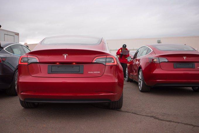 FIAT y Chrysler le pagarán a Tesla para bajar sus emisiones de CO2