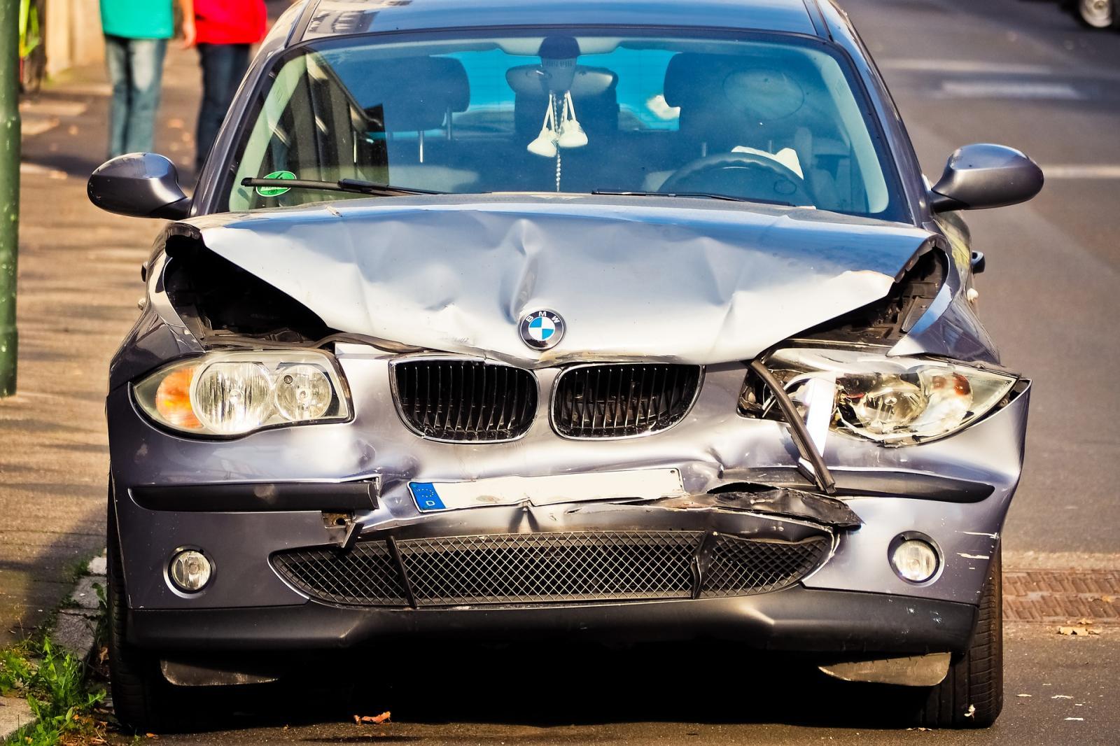 BMW chocado