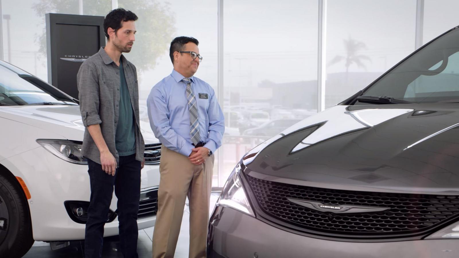 Chrysler Pacifica piso de venta
