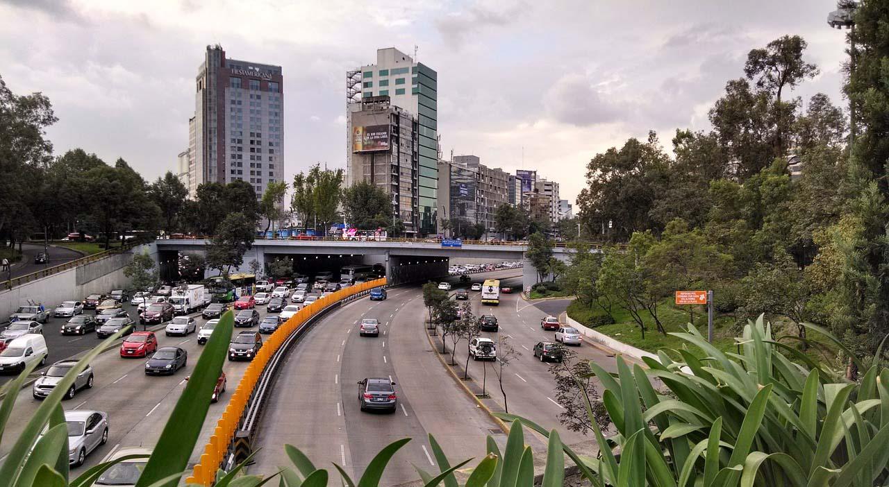 La tenencia comenzó a cobrarse en México en 1963