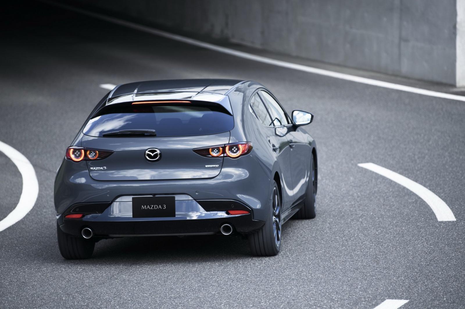 Una nueva versión deportiva del Mazda 3 podría llegar en el futuro cercano