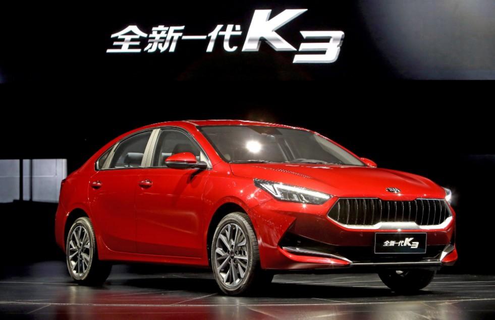 El Kia K3 híbrido enchufable presenta un diseño más aerodinámico que las versiones a gasolina