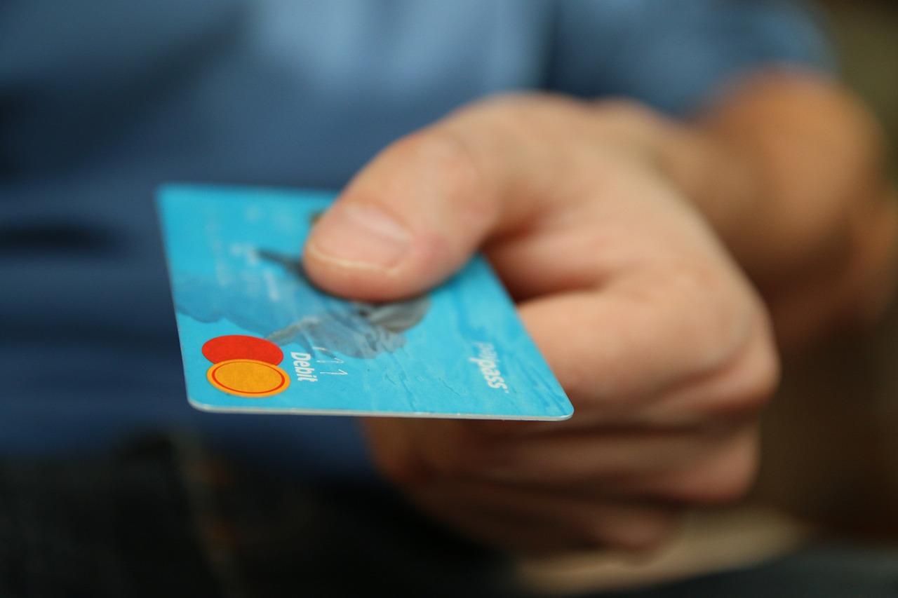 Puedes pagar el seguro que ofrezcan con tu tarjeta de crédito