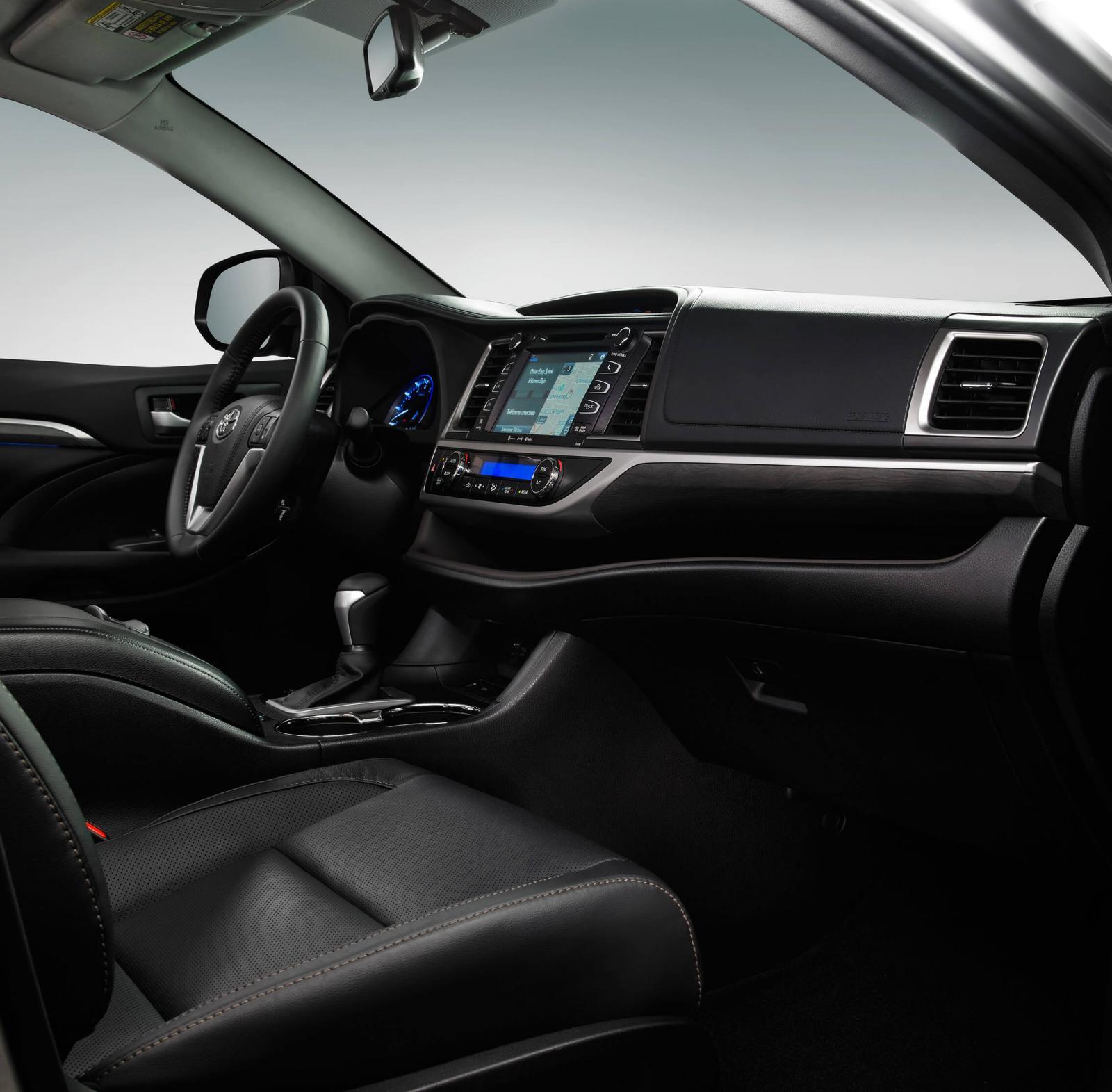 La cabina de la Toyota Highlander Limited BR 2019 es muy amplia y confortable