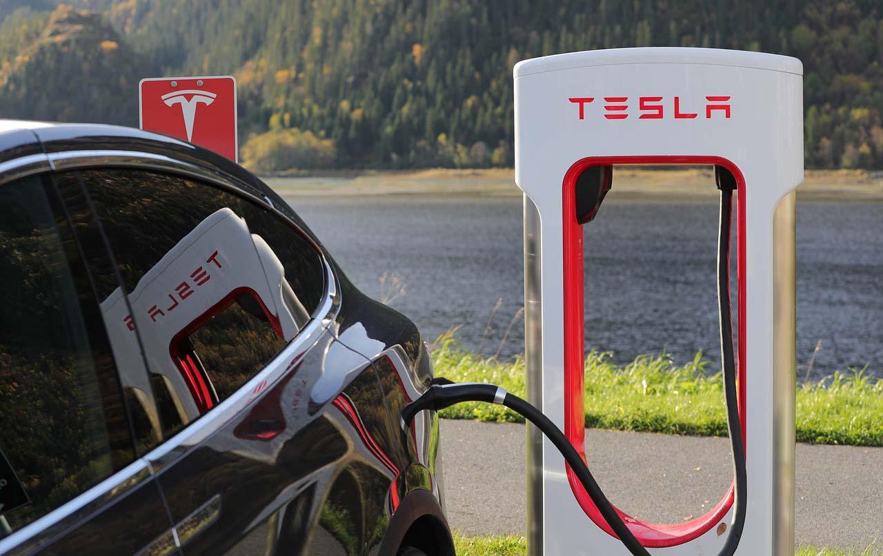 Tesla reveló a principios de este mes que entregó cerca de 63,000 vehículos