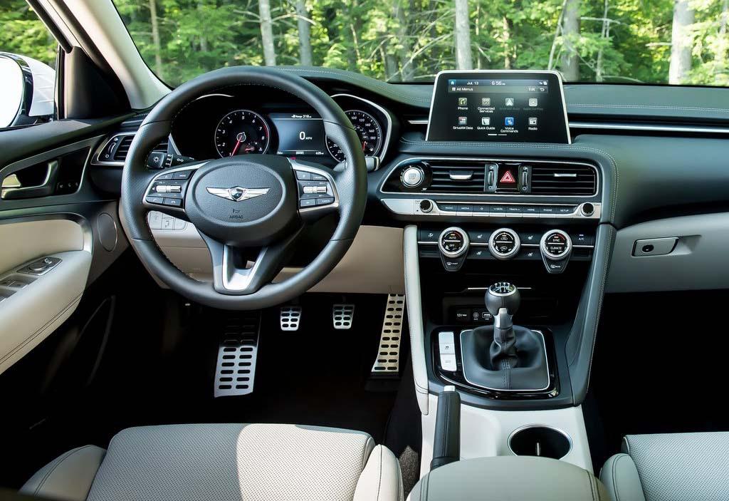 El Genesis G70 fue premiado como el Mejor Auto del Año