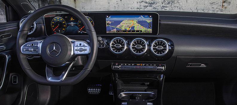El Mercedes-Benz A220 está lleno de tecnología en su interior