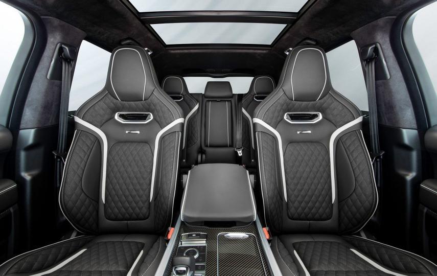 Los cambios en la cabina de la Range Rover Sport SVR Overfinch luce más exclusiva pese a las pequeñas incorporaciones