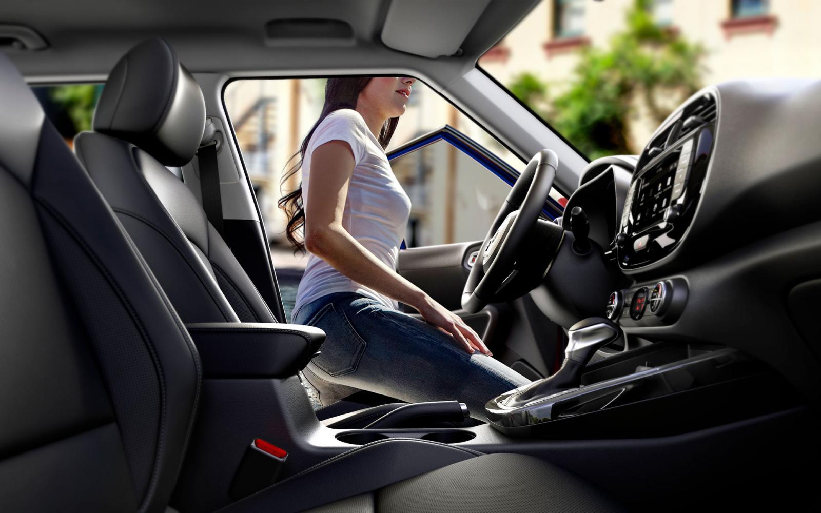 El Kia Soul EX Pack 2020 tiene una cabina muy espaciosa para sus dimensiones reducidas